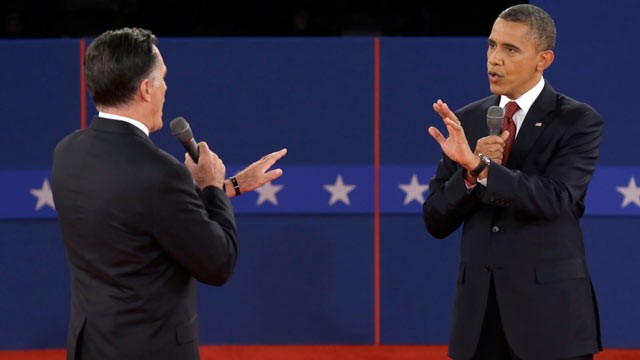 ap_presidential_debate_romney_obama_pointing_thg_121016_wg.jpg